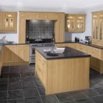 Royal Natural Oak Traditional Kitchen